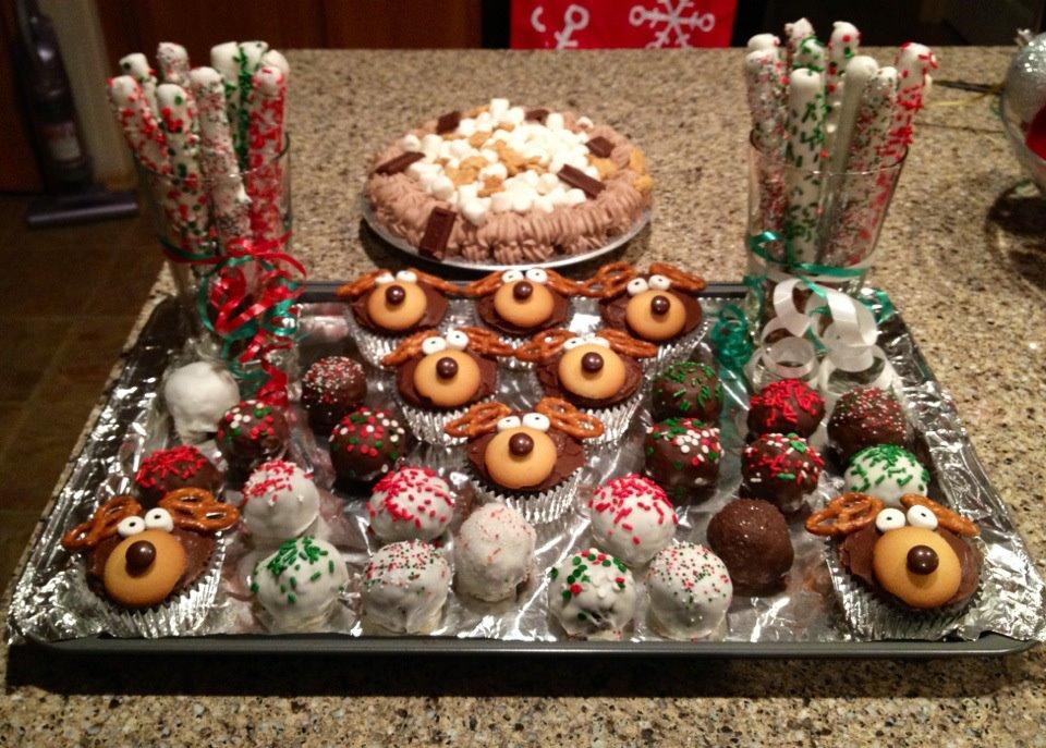 WHITE CHRISTMAS CHOCOLATE COVERED PRETZELS